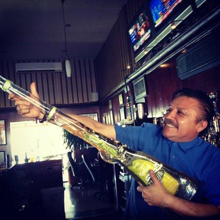 """La Casa del Habano : David """"Mojito Man"""" shows off the Tequila gun!"""
