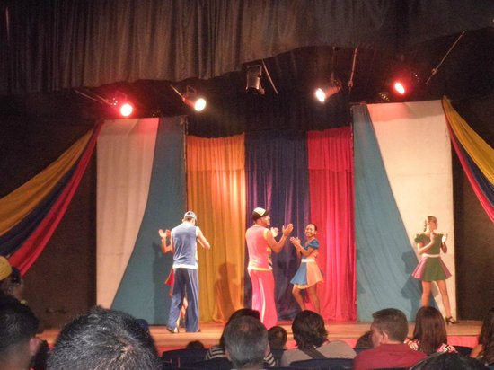 Isla Caribe Beach Hotel: Show