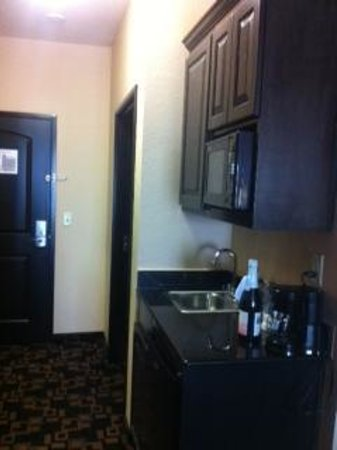 Holiday Inn Express Hotel & Suites - Glen Rose: Microwave & Refrigerator