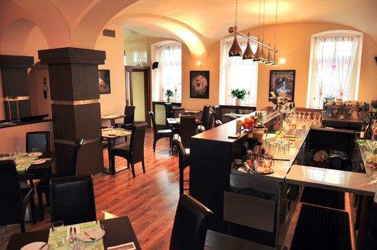 Mini: Restaurant