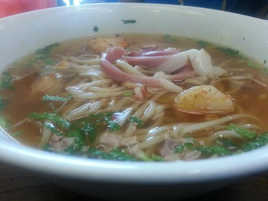 Hot n sour noodles picture of star noodle lahaina for 24 star thai cuisine