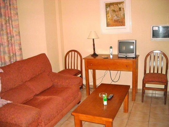 Apartamentos Turisticos Elegance Resitur : Salottino