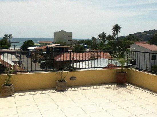 La Terraza Condominiums: Rooftop Terrace