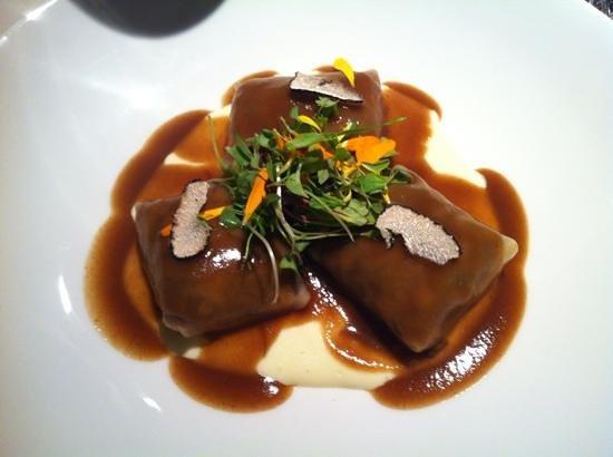 Calima: raviolis de ternera guisada con trufa