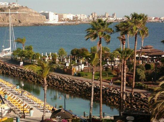 Club Puerto Anfi : LOOKING OVER TO ARGUINIGUIN