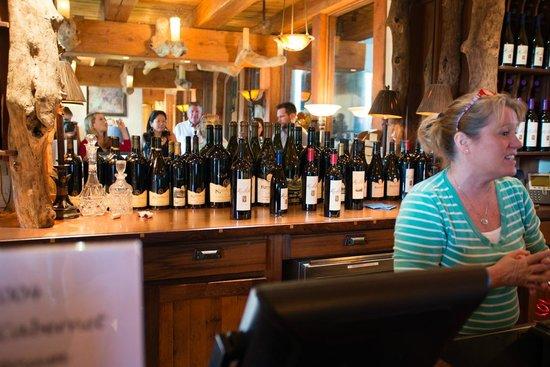Kuleto Estate: Wine shop