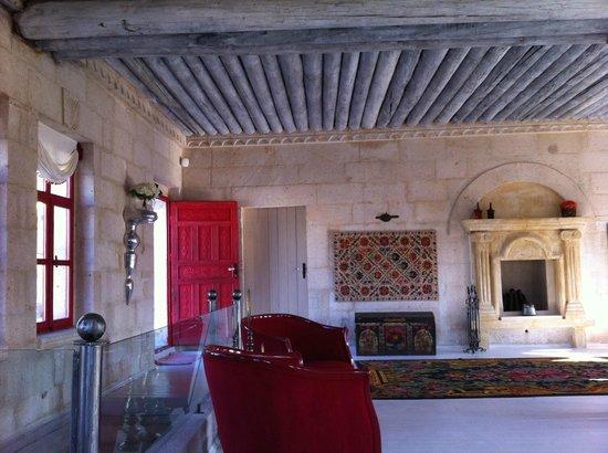 Hezen Cave Hotel : Otele giriş..