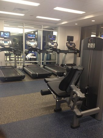 Washington Dulles Marriott Suites: Gym
