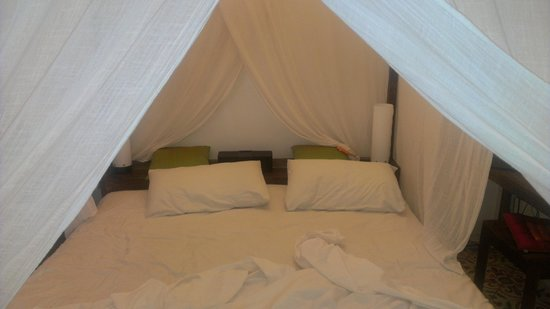 The Pavilion: Nice bed