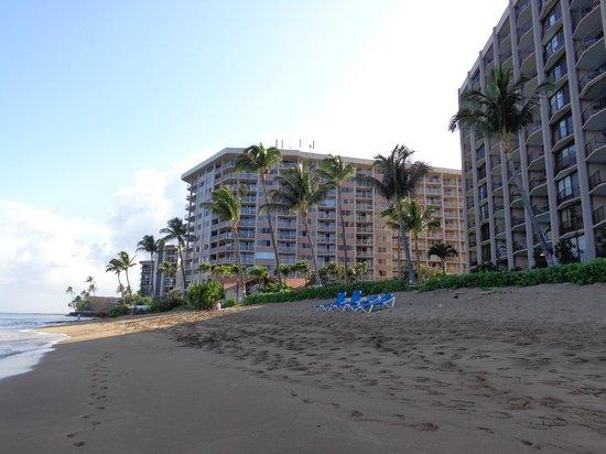 Royal Kahana: De l'extérieur vue à partir de la plage...
