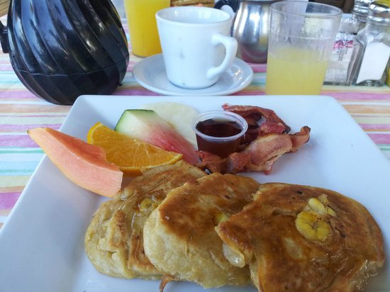 Country Country Beach Cottages: Banana pancakes were the best!