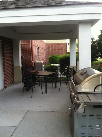 Candlewood Suites Virginia Beach / Norfolk: wonderful patio area