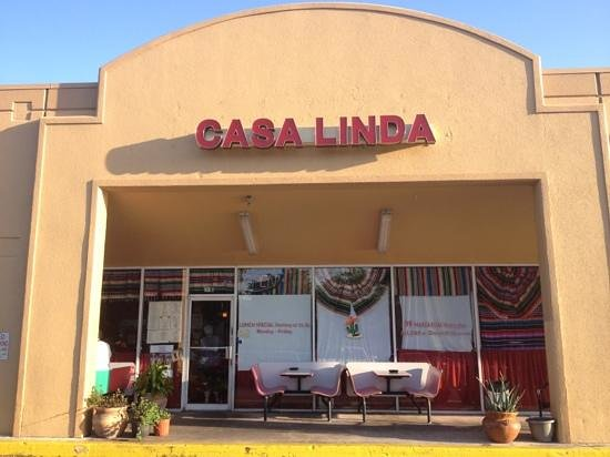 Casa LInda Mexican & Spanish Cuisine: This is Casa Linda Boynton Beach(not the first one with the black tarp)
