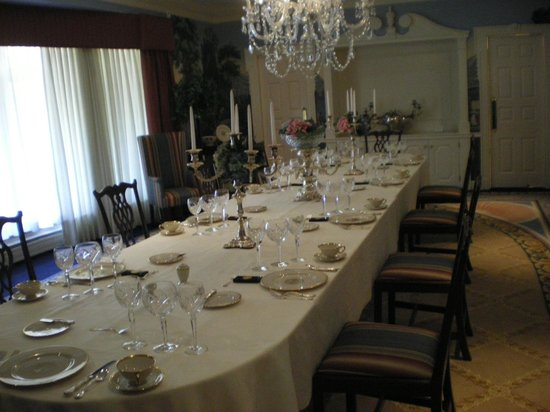 Governor's Mansion: Formal Dining Room