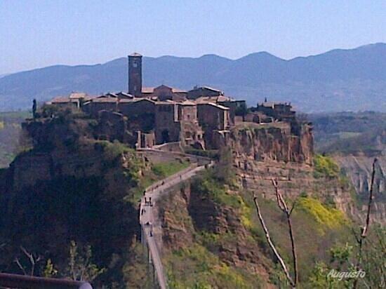 Civita di Bagnoregio, Italia: Domenica in gita