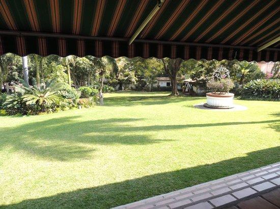 Mision Cuernavaca: Jardín