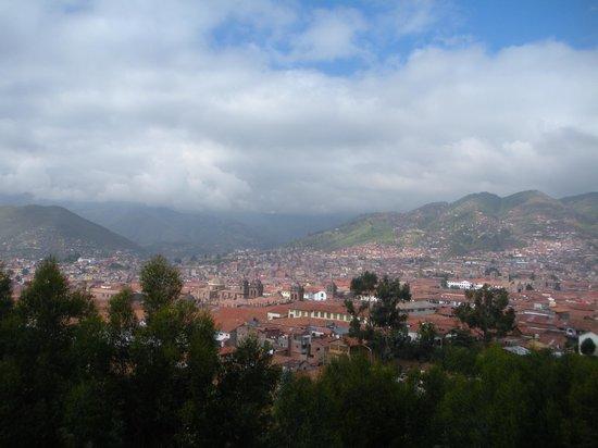 Encantada Casa Boutique Spa: City of Cusco from balcony of hotel room