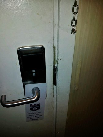Knights Inn - Belton/Temple: Door was disgusting, nasty smudges, paint coming off, even the door hanger was dirty