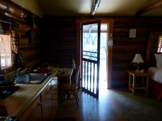 The Butterfly Garden Inn: Cuban Crescent cabin