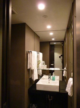 Hotel Brighton City Osaka Kitahama : Bathroom