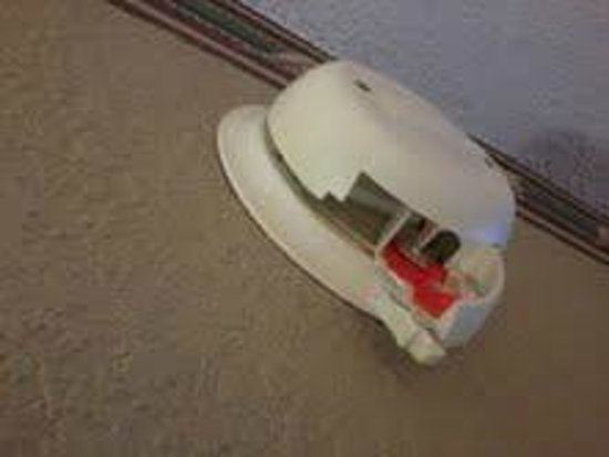 Hampton Inn Pittsburgh / Monroeville: smoke alarm