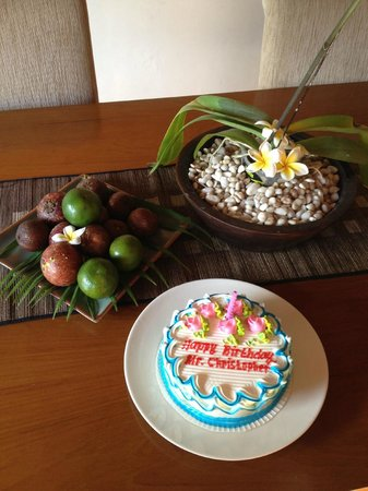 Serene Villas: A wonderful surprise birthday cake delivered by Villa staff