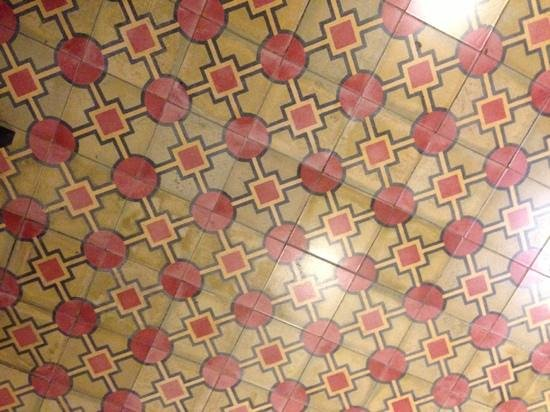99 Oldtown Boutique Guesthouse: stunning hydraulic tiles!