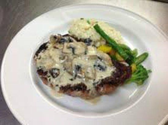 La Pomodori Ristorante: Ribeye Steak Au Poivre
