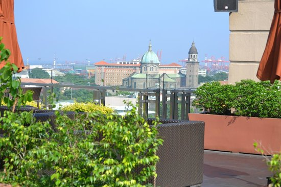 The Bayleaf: Вид с крыши отеля из Скай бара