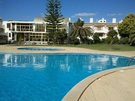 Clube Hotel Apartamento do Algarve: the pool area