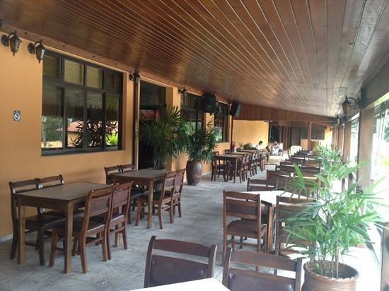 Braston Hotel Indaiatuba : Outside tables