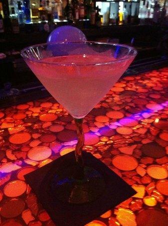 Manhattan Bistro: Peachy Keen Martini