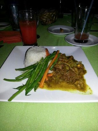 Altamont Court Hotel Kingston : Curry Goat Dinner @Altamont Court