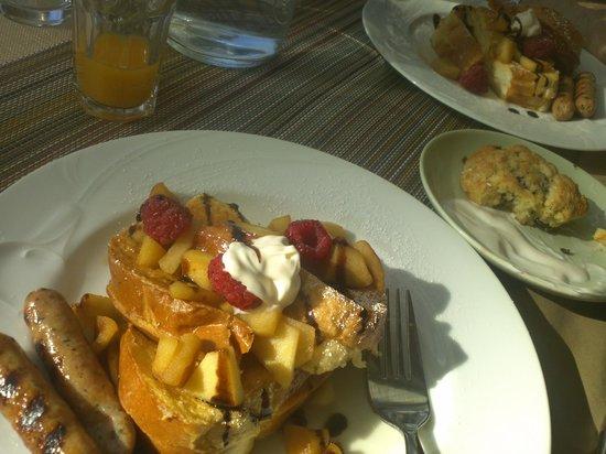 Eden Vale Inn: French toast from Heaven!