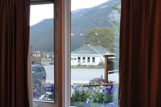 Canadian Rockies Inn: view from the suite