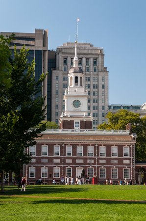 Independence Mall : Independence Hall from the Mall