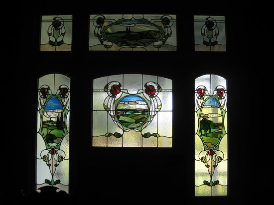 Kauri House Lodge : Stained glass front door panels