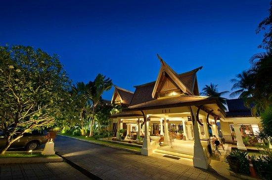 Panwa Boutique Beach Resort: The lobby