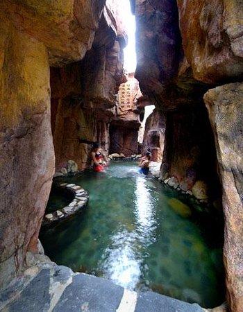Yungu Waterfall