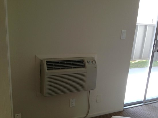 St. Francis Arms : AC in living room near balcony