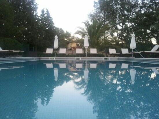 La Residence du Moulin: a pool