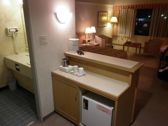 Toyoko Inn Narita Airport: Kitchen