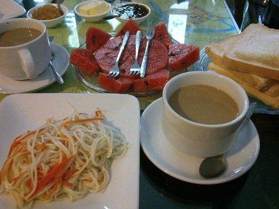 HueNino Hotel: Breakfast..