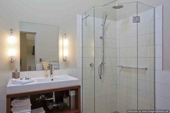 Gibbston House B&B: Guest Bathroom
