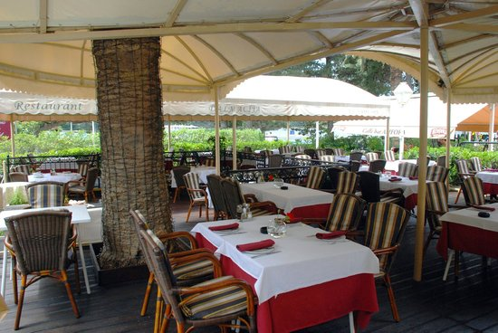 Villa Pattiera: Restaurant Dalmacija-terrace