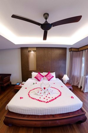 Koh Chang Paradise Resort & Spa: Renovated Deluxe bungalow. Fan + Air conditioning