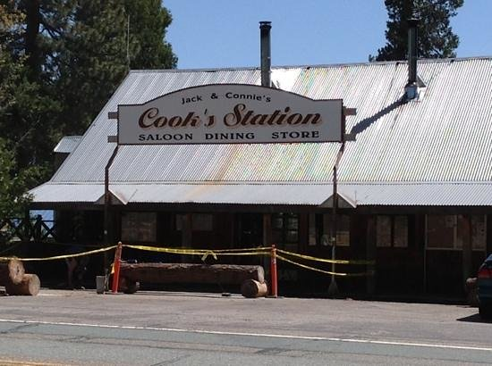 Cook's Station: So glad we finally stopped the motorcycles for a bite to eat here!!