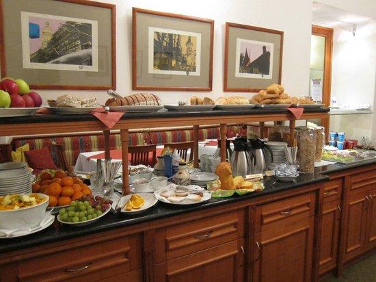 Hotel 16: Excellent breakfast