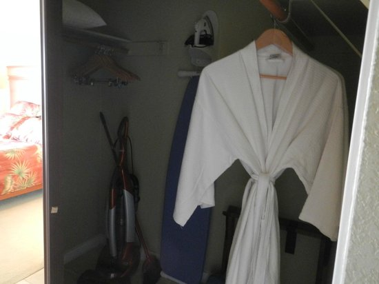 The Kapalua Villas, Maui: Closet in master with supplies