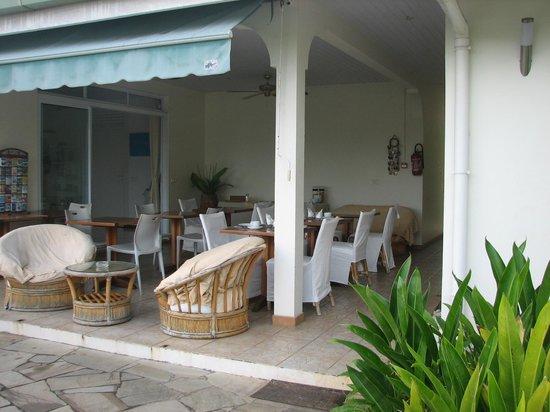 Fare Suisse Tahiti: Breakfast Area